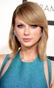 rs_634x1024-150208182236-634.Taylor-Swift-Grammy-Awards.Beauty.ms.020815
