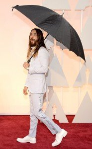 rs_634x1024-150222173948-634.Jared-Leto-Candid-Academy-Awards.ms.022215