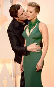 rs_634x1024-150222174249-634.Scarlett-Johansson-John-Travolta-Oscars.ms.022215